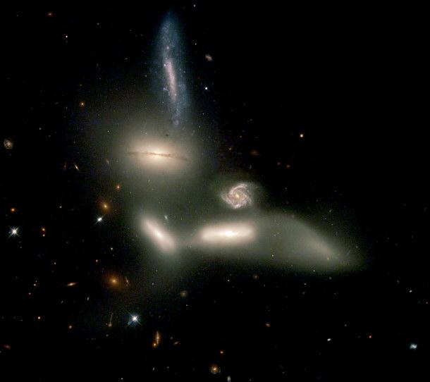Resultado de imagen de Dos nuevos estudios realizados por investigadores de Australia, Austria y Alemania han puesto en entredicho la forma en la que entendemos la física de la gravedad